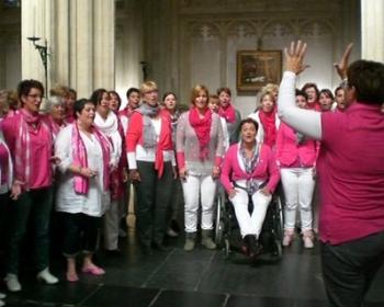 samen met de New Harvest Singers